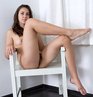 Beautiful naked thighs