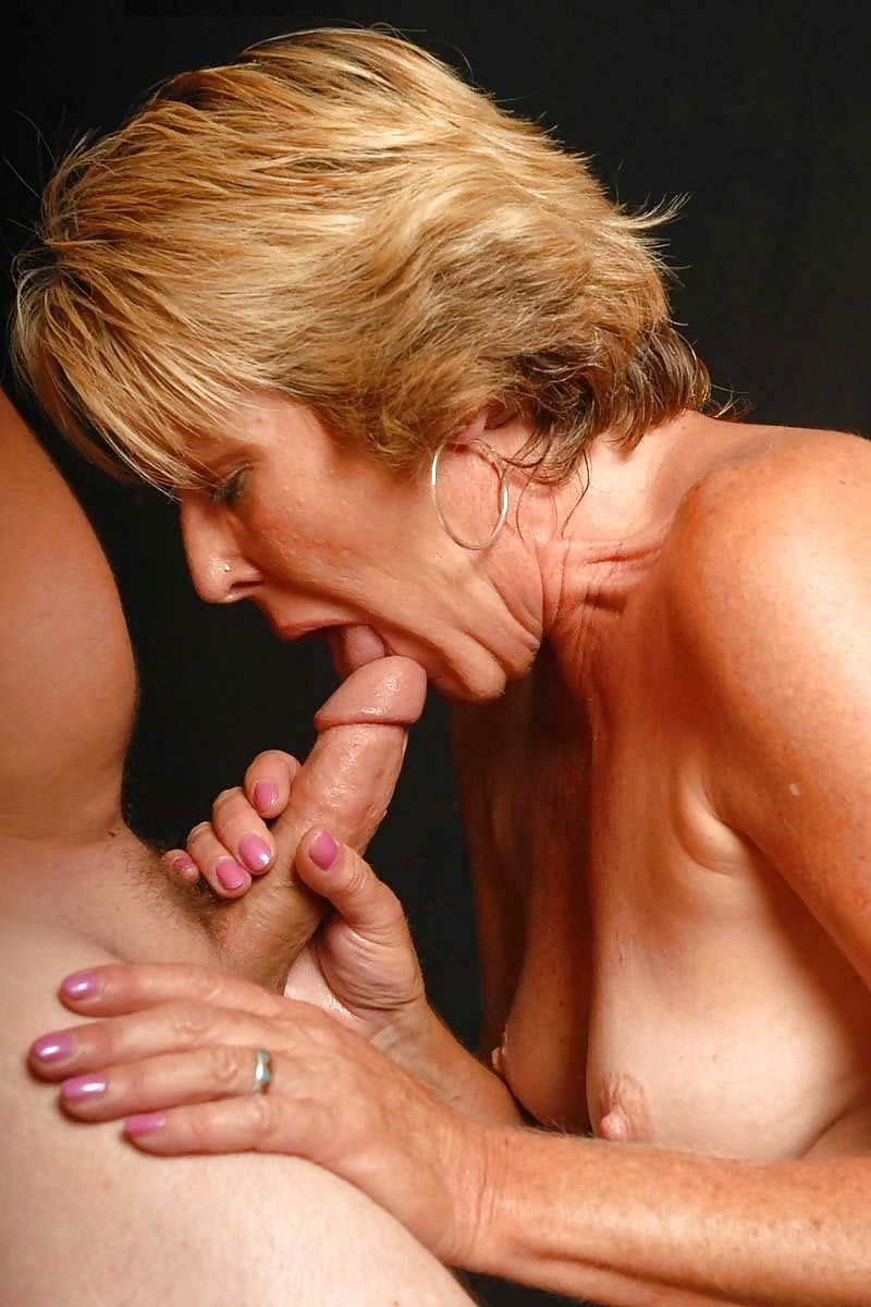 Mature adults oral sex